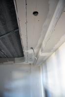 Монтаж потолочных коробов сподготовкой подсветильники изГКЛ подизайн проекту вдетской комнате