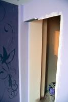 Оклейка обоями стен вспальной комнате